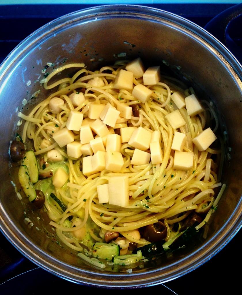 salsa con vieiras, pasta, y queso gruyer para la receta